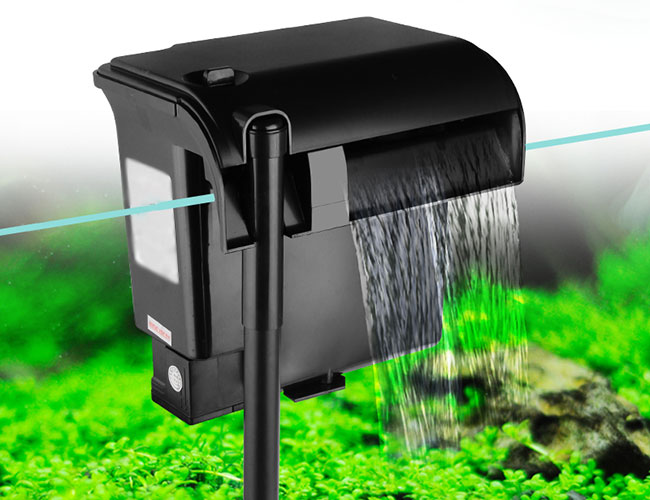 Hang on back hob filter agitating the surface water of aquarium