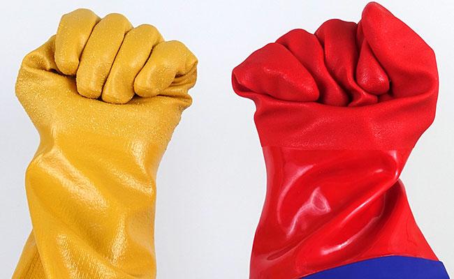 Coralife Aqua Gloves vs Showa Atlas 772 aquarium gloves flexibility and hand movement test