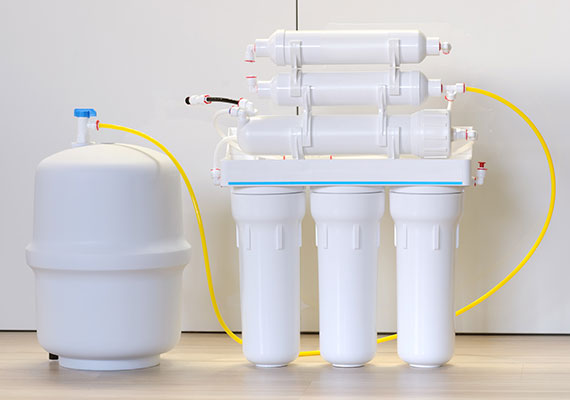 A domestic reverse osmosis system for purifying water